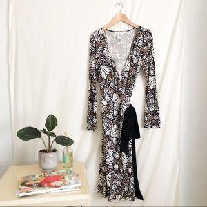 DVF Black Beige White Silk Floral Wrap Dress